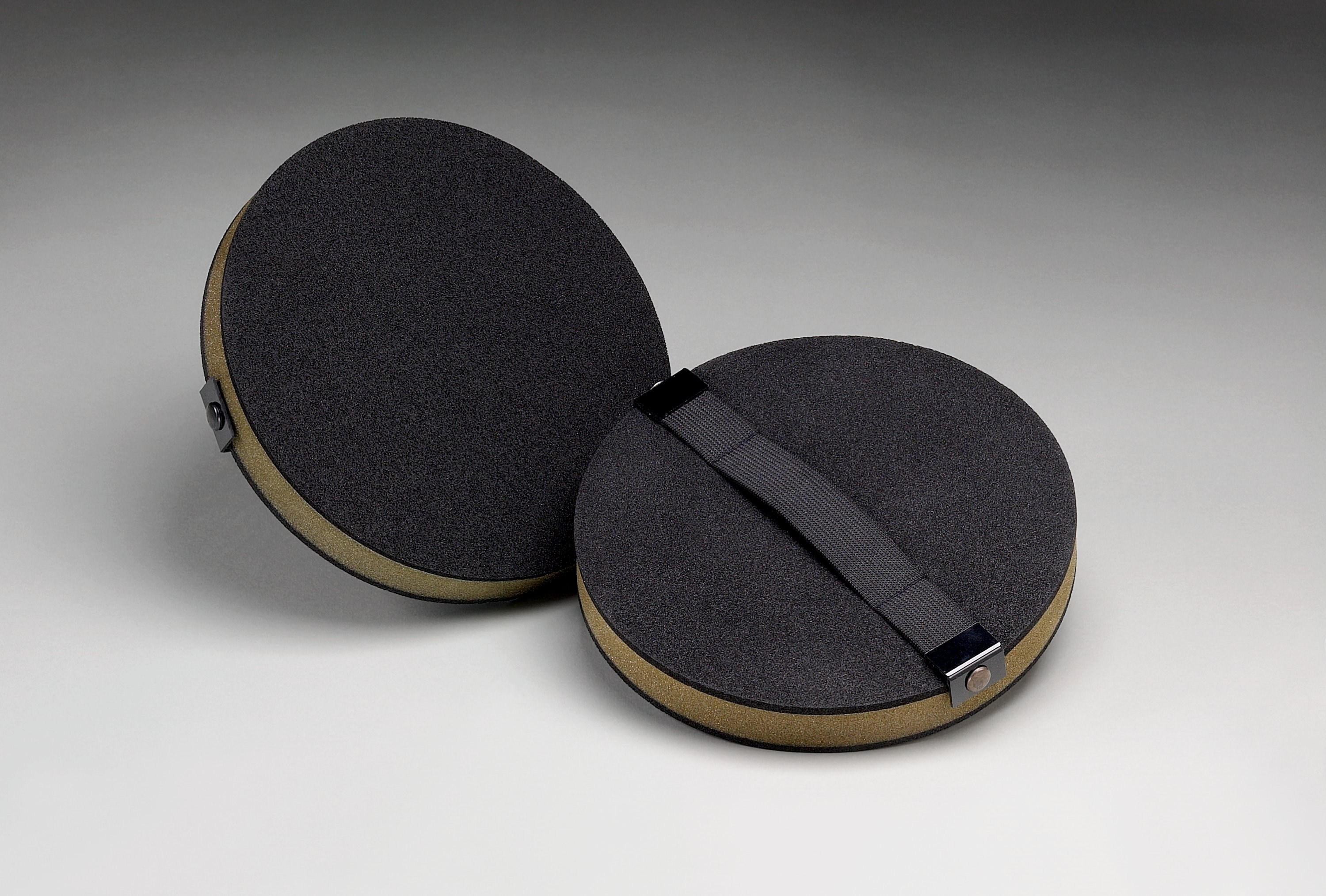 3M Screen Cloth Disc Hand pad 8in//po By 1in//po 02713 Piece